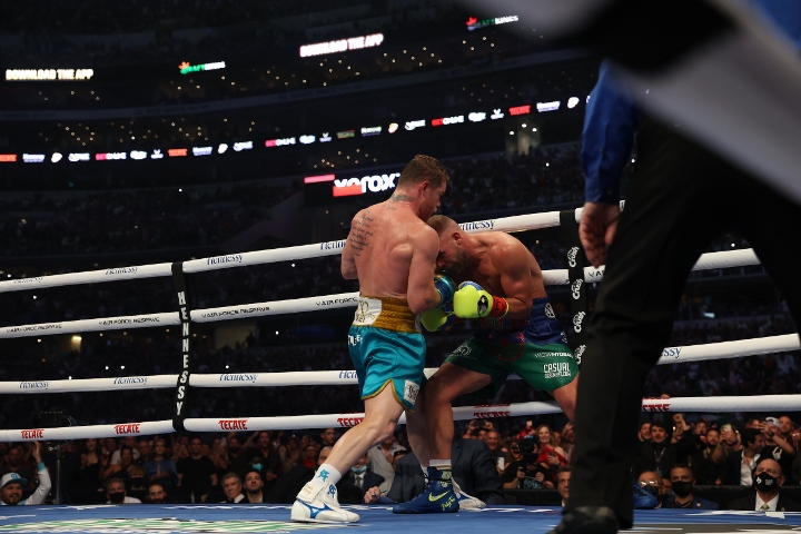 canelo-saunders-fight (24)_1620555345