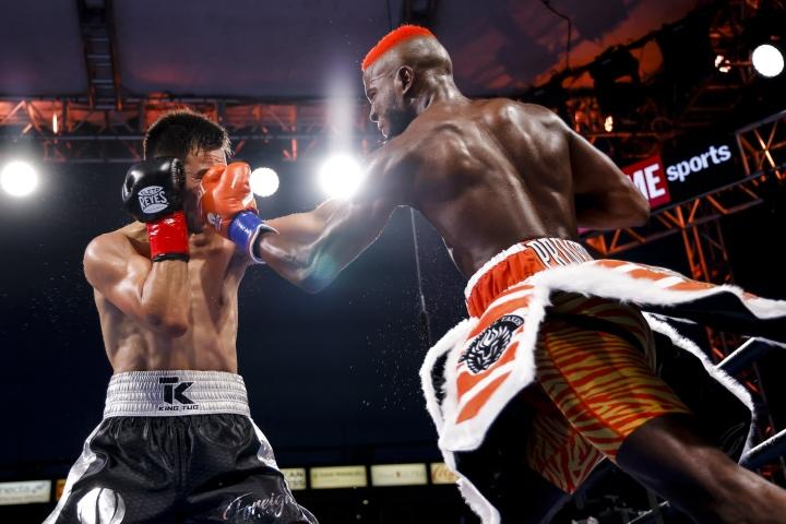 colbert-nyambayar-fight (3)