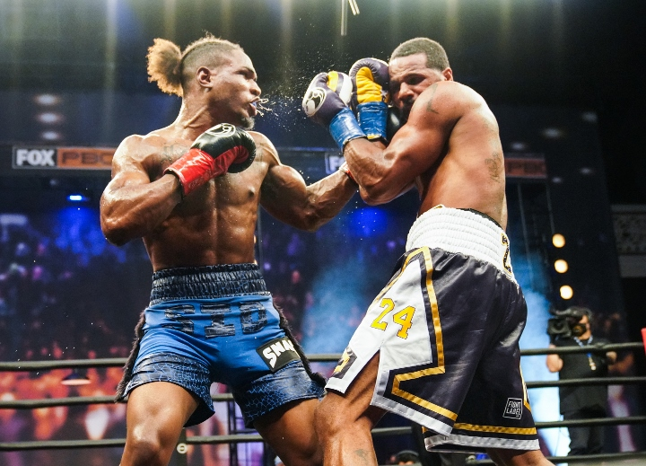 dirrell-davis-fight (1)