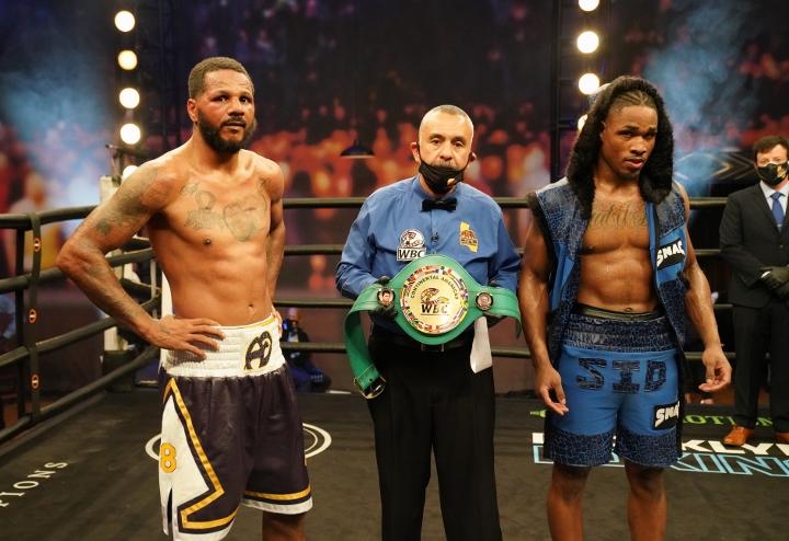 dirrell-davis-fight (12)