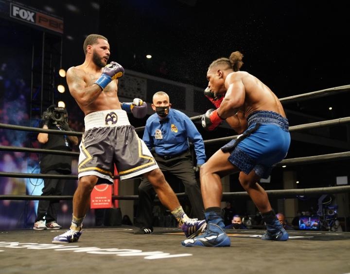 dirrell-davis-fight (16)