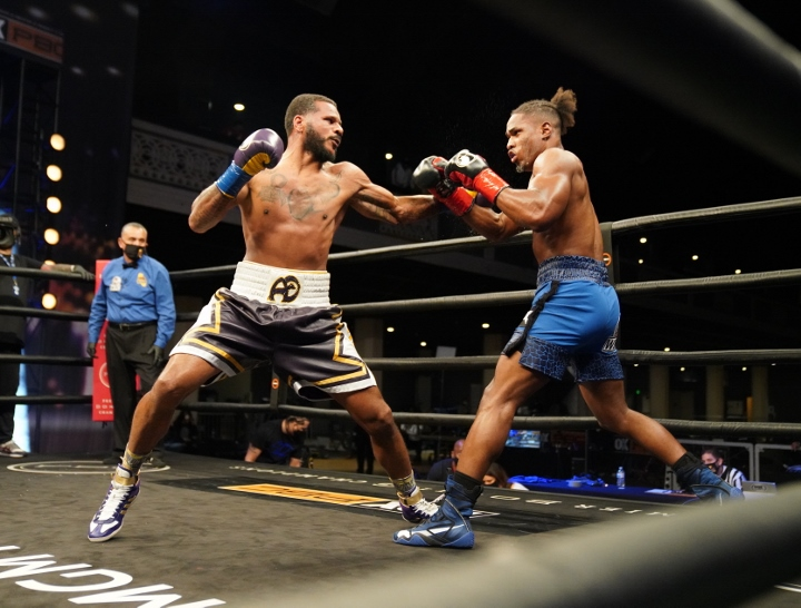 dirrell-davis-fight (17)