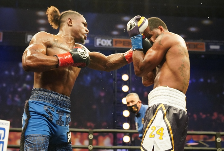 dirrell-davis-fight (18)