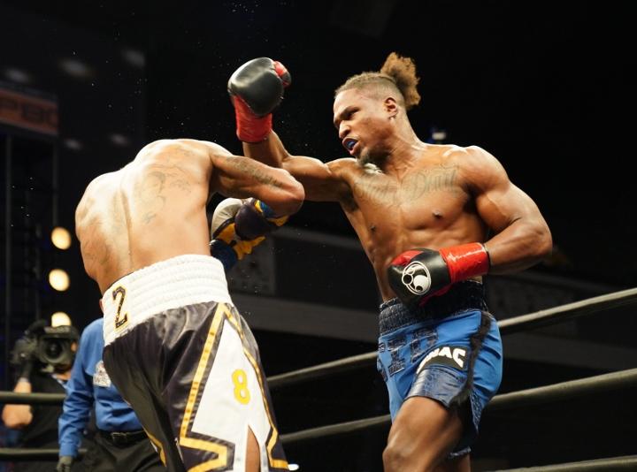 dirrell-davis-fight (20)