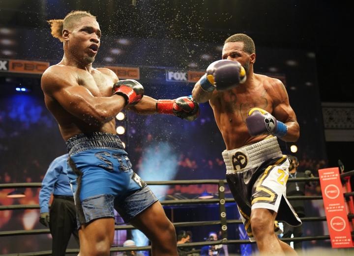 dirrell-davis-fight (28)