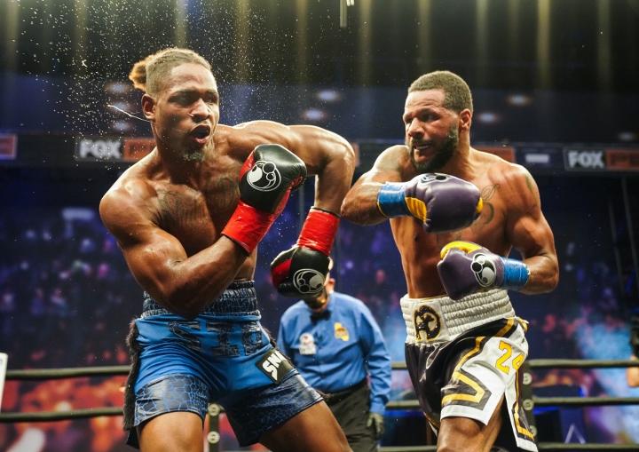 dirrell-davis-fight (3)