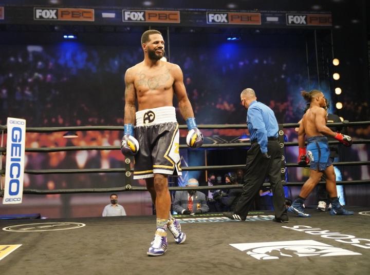 dirrell-davis-fight (33)