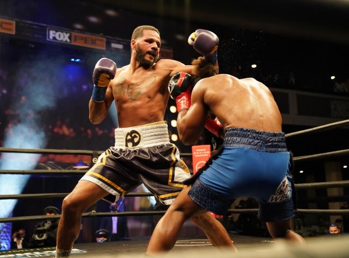 dirrell-davis-fight (5)