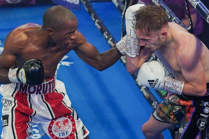 edwards-mthalane-fight (9)