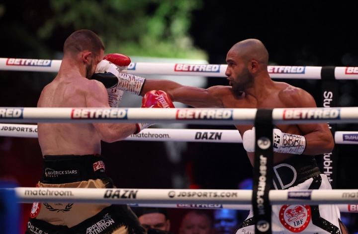 galahad-dickens-fight (8)