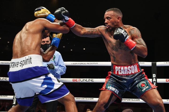 gongora-pearson-fight (11)