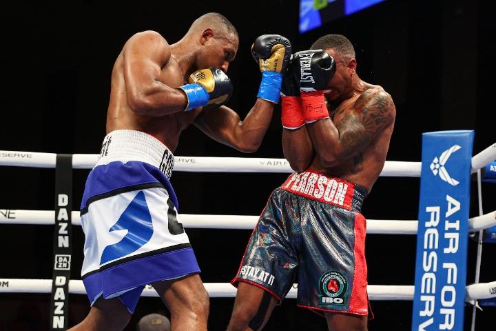 gongora-pearson-fight (8)