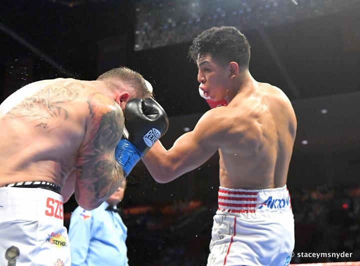 munguia-szeremeta-fight (16)