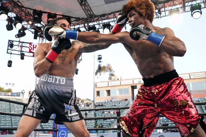 russell-santiago-fight (8)