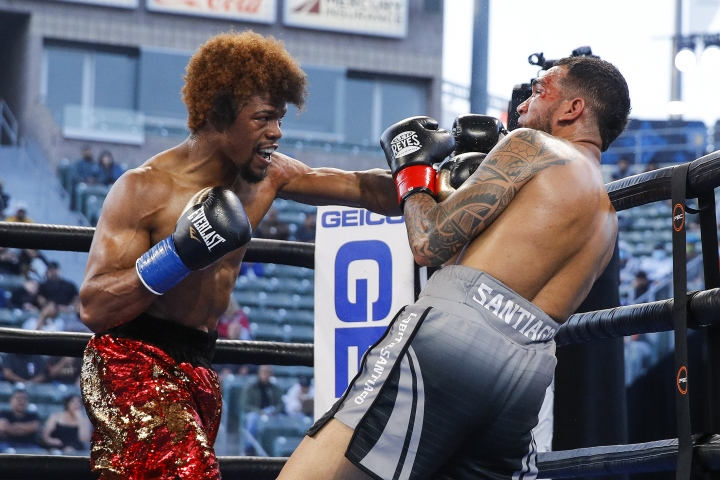 russell-santiago-fight (9)